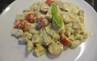 pasta with chicken, mozzarella and tomato