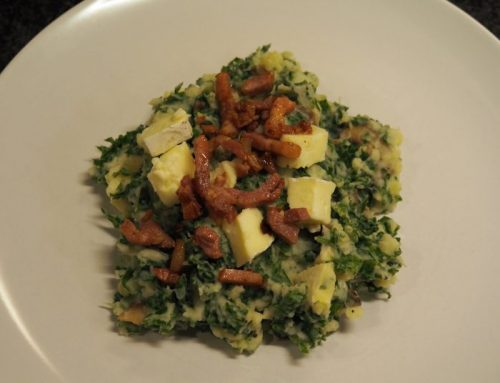 Kale mash with mushrooms, cheese and bacon (optional)
