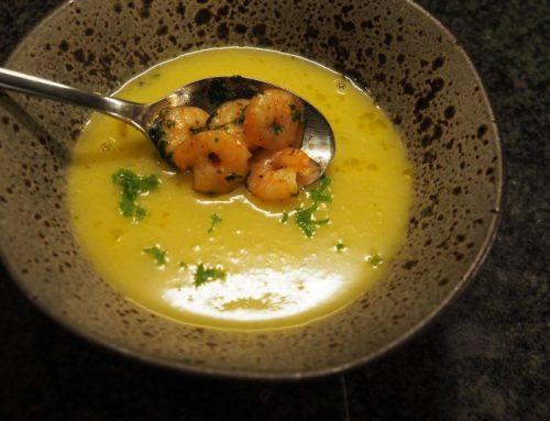 Leek soup with shrimps