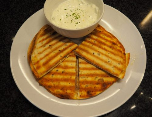 Quesadillas with tuna and a yogurt dip