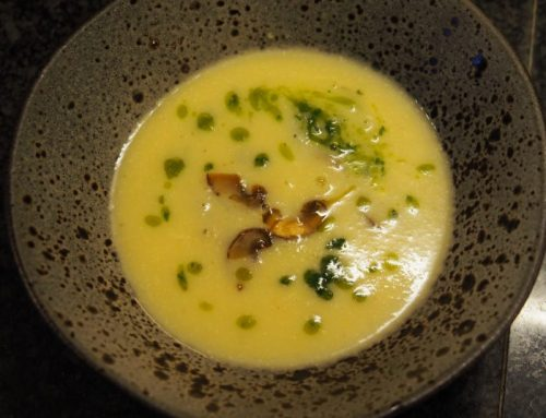 Celeriac soup with mushrooms and truffle