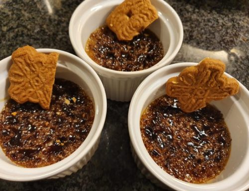 Crème brûlée with speculaas (spiced biscuits)
